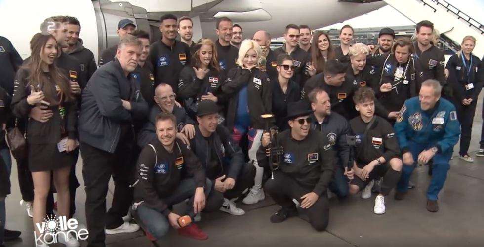 ZDF | Reportage | Parabelflug mit Promis