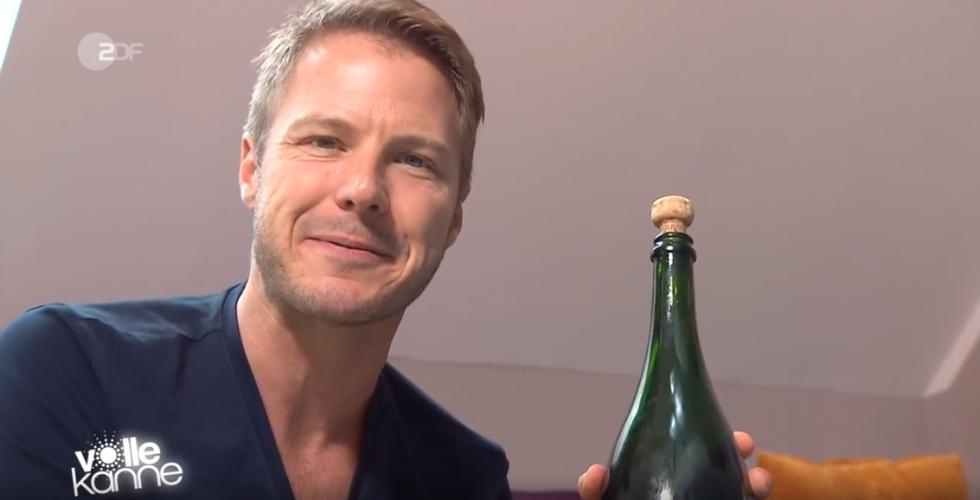ZDF | Besserwisser | Champagnerdusche