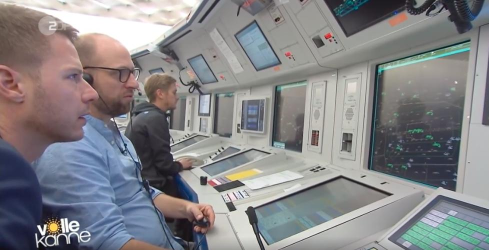 ZDF | Reportage | Flo bei der Flugsicherung